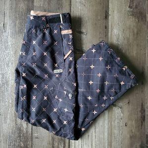686 snow pants
